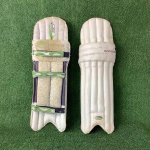 Kookaburra Cricket pads – junior