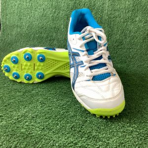 ASICS Cricket shoes with spikes