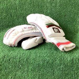 Cricket batting gloves – New Balance RH – teen size