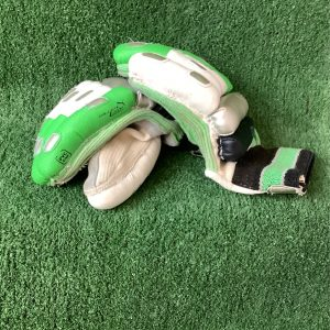 Cricket batting gloves – PUMA junior size