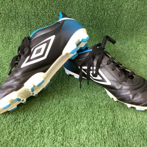 Umbro Classico football boots in US size 6