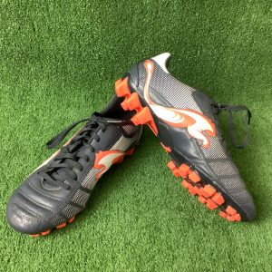 Puma football boots in US size 5